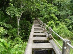 trekking tiu kelep water fall air terjun