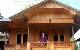 Rumah Panggung Woloan Manado