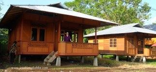 Rumah Panggung Wales Woloan Manado