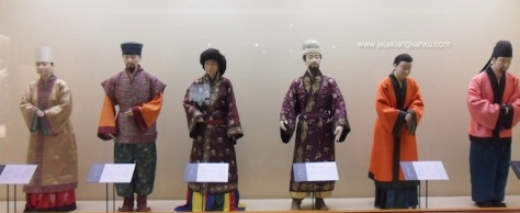 south korea folk museum lotte world mall