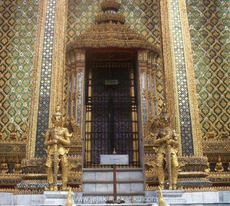 thailand istana raja siam backpackers