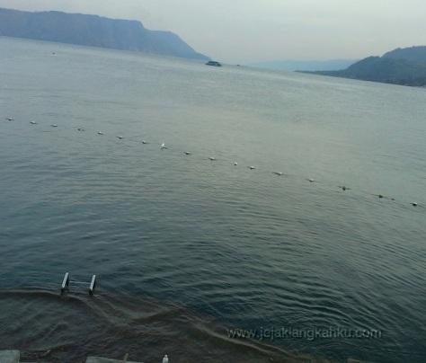 danau toba pulau samosir medan tuk tuk parapat