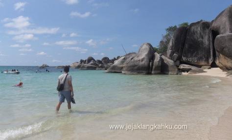 wisata babel bangka belitung laskar pelangi