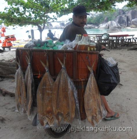 pantai tanjung tinggi belitung 7-1