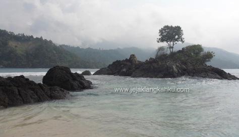 wisata teluk kiluan lampung beach homestay