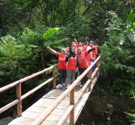trekking taman safari puncak 10-1