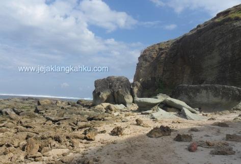 batu payung lombok 3