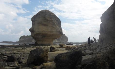 batu payung lombok 4