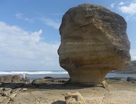 batu payung lombok 5