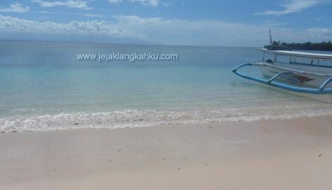 pantai pink lombok 11