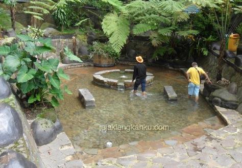 kolam rendam kaki sari ater 6