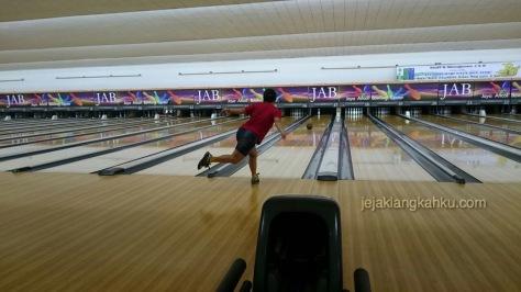 ancol bowling jakarta 10-1