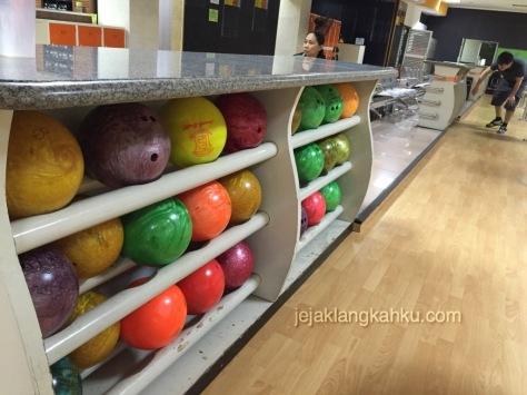 ancol bowling jakarta 4-1